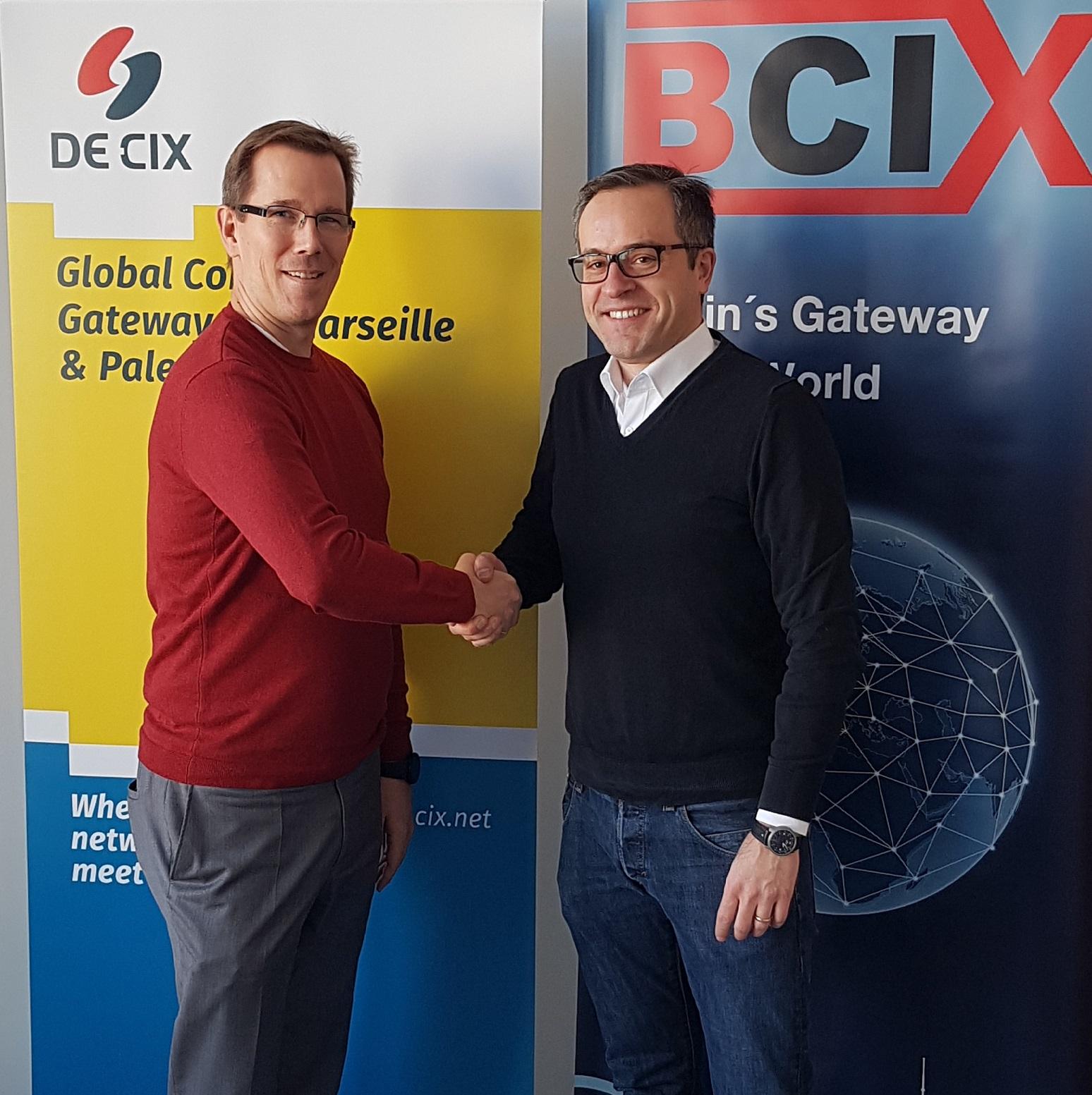 Christian Kröger BCIX - links - und Dr. Thomas King DE-CIX - rechts - klein